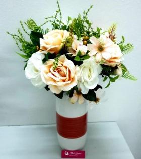 Bình hoa lụa cao cấp hoa hồng tươi sáng không gian phòng khách