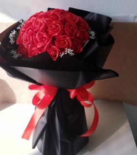 Bó hoa hồng sáp cao cấp mang tình yêu nồng cháy - 29 bông