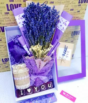 Combo Lavender bó lớn, hộp sang trọng + Socola ILOVE YOU