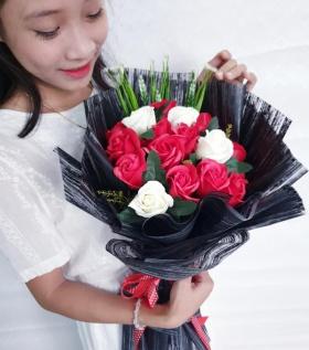 Bó hoa hồng sáp cao cấp tình yêu vĩnh cửu, mạnh mẽ.