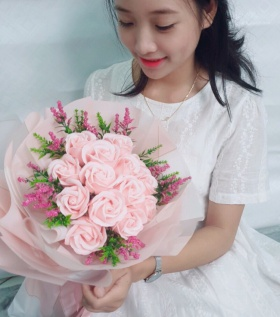 Bó hoa hồng sáp thơm cao cấp 15 bông