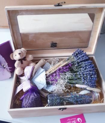 Hộp quà gỗ thông Lavender lớn