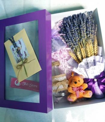 Hộp quà lavender cao cấp kèm gấu lọ và thiệp