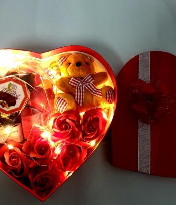Hộp quà Socola trái tim phát sáng