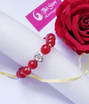 Vòng đá đỏ charm bạc